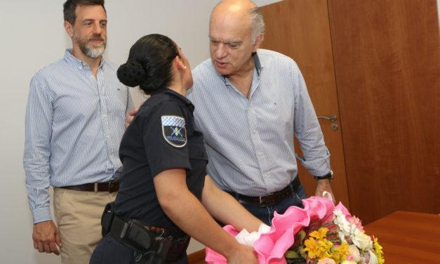 GRINDETTI RECIBIÓ A LA POLICÍA LOCAL QUE ENFRENTÓ A TIROS A DELINCUENTES EN LANUS ESTE