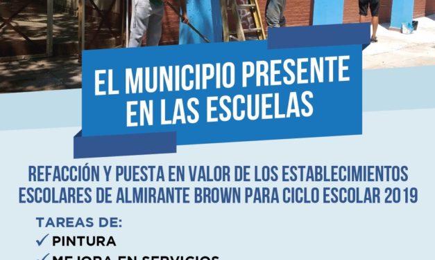 """EL MUNICIPIO PRESENTE EN LAS ESCUELAS"""" EN BURZACO"""