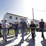 """CASCALLARES RECORRIÓ LA CONSTRUCCIÓN DE 573 VIVIENDAS EN """"BARRIO LINDO"""" Y OBRAS EN MALVINAS ARGENTINAS"""