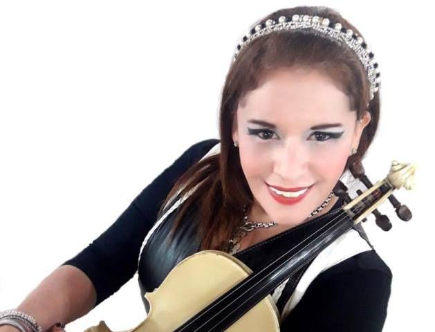 """ALICIA CARGNIEL """"LAMATADORA"""" DARA UN SHOW ESPECIAL POR EL DIA DE LA BANDERA EN LOMAS DE ZAMORA"""